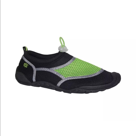 eab5a3efe 5 25 NWT Boys  Peter Water Shoes. NWT. C9 Champion